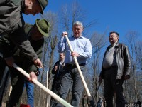 GALERIE FOTO: Țuțuianu&Co. au participat la acțiunea de împădurire a Direcției Silvice