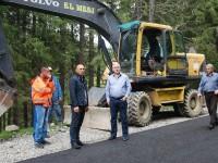 FOTO: S-a turnat primul strat de asfalt pe drumul de legătură Dichiu – Zănoaga!