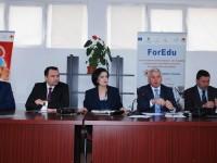 Directorii școlilor din Dâmbovița s-au întâlnit cu autoritățile județene și locale. Subiectele abordate