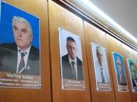 Dâmbovița: GALERIA PREFECȚILOR, pe holul instituției
