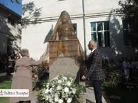 """SĂRBĂTOARE: De """"Ziua Școlii"""", a fost dezvelit bustul lui Ion Ghica la Colegiul Economic din Târgoviște!"""