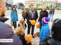 HALLOWEEN: Primarul Cristian Stan și TSD Târgoviște au oferit copiilor dovlecei sculptați și dulciuri!