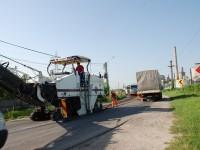 FOTO: Au început lucrările de reabilitare și refacere pe DN 71 Târgoviște – Doicești – Pucioasa!