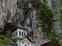 Programul de vizitare a Peșterii Ialomița a fost sistat / mai multe galerii sunt inundate
