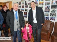 Adrian Țuțuianu (PRO ROMÂNIA): 5 măsuri în prima zi de guvernare / Victor Ponta, candidat pentru funcția de prim-ministru