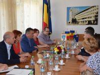 Ministrul Apărării, Adrian Țuțuianu, și conducerea CJ Dâmbovița, întâlnire cu o delegație moldovenească din Ialoveni (detalii)