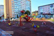 Târgoviște, micro 6: Încă un loc de joacă transformă o zonă insalubră din municipiu (foto)