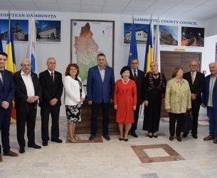 Crizantema de Aur, ediție jubiliară: Vizita reprezentanților UNESCO la sediul Consiliului Județean Dâmbovița!