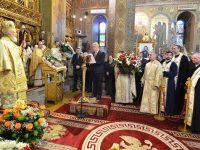 Aniversare: IPS Părinte Mitropolit Nifon, 18 ani de arhipăstorire la Târgoviște (foto)