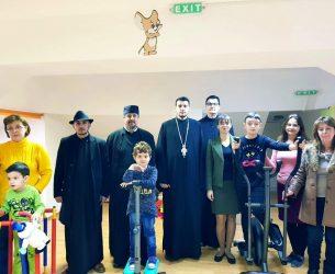 Târgoviște: Centrul de zi pentru copii cu autism și sindrom Down, sprijin din partea mai multor parohii pentru dotarea sălii de kinetoterapie!