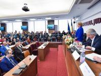 Dâmbovița: Premier, vicepremier, miniștri – întâlnire cu primarii și oamenii de afaceri. 5 probleme ridicate de senatorul Adrian Țuțuianu