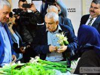 La 7 dimineața, ministrul Agriculturii, printre producătorii din Piața 1 Mai din Târgoviște. Cumpărături de tot felul