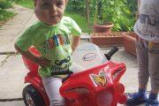 Arhiepiscopia Târgoviștei vine în sprijinul copilului din Iedera, care se luptă cu o formă rară de cancer