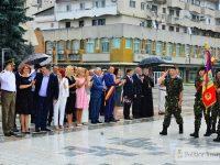 FOTO: Ziua Imnului Național, sărbătorită la Târgoviște, în Piața Tricolorului!
