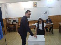 REFERENDUM: Primarul municipiului Târgoviște a mers la vot alături de soție și fiică. Declarații