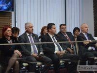 Festivitate la CJD: Foști prefecți și președinți de consiliu au primit plachete aniversare (foto)