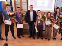 """Sportivii """"Special Olympics"""" felicitați de Executivul Primăriei Târgoviște"""