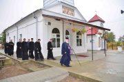 Mitropolitul Nifon, vizită pastorală în parohii unde se construiesc/reabilitează biserici