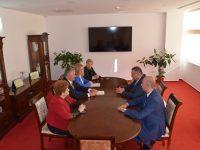 """CJ Dâmbovița, acord de parteneriat cu Universitatea """"Valahia"""". Care sunt obiectivele"""
