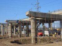 FOTO-ȘANTIER: Centura municipiului Târgoviște prinde contur / se lucrează (și) la pasajul Petru Cercel