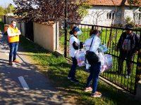 Târgoviște: A început acțiunea de distribuire a kiturilor de igienă (măști și mănuși) către locuitorii municipiului / detalii