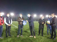 Târgoviște: Primarul municipiului și președintele FRF au inaugurat terenul de fotbal cu gazon sintetic de lângă Complexul de Natație / declarații