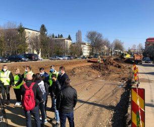 Târgoviște: Drum lărgit la 4 benzi și pistă de biciclete din cartierul CFR către mall (detalii)
