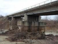 Podul de la Viișoara va fi consolidat. CNADNR a alocat 1 milion de lei pentru lucrări în 2015.