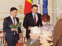 Dar de Crăciun: Cuplurile care au împlinit 50 de ani de căsătorie, premiate de Primăria Târgoviște!