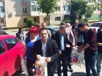 """PNL – cadouri pentru 16 beneficiari ai Centrului """"Sfânta Elena"""" din Târgoviște!"""