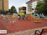 Târgoviște: Dintr-o zonă insalubră, loc de joacă nou pe strada Arcașilor, în micro 6! (foto)