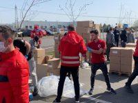 Crucea Roșie Dâmbovița oferă pachete alimentare persoanelor izolate din Corbii Mari și Cojasca