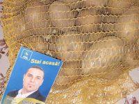 Dâmbovița / Profit politic în plină pandemie: PNL Bilciurești, campanie electorală cu cartofi și pliante