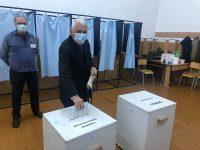 ZIUA ALEGERILOR: Adrian Țuțuianu (PRO ROMÂNIA) a votat în Târgoviște. Mesajul acestuia