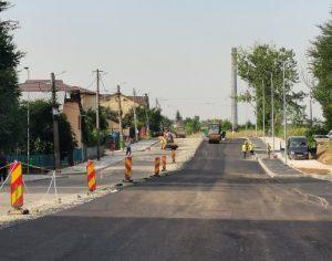 Se asfaltează drumul lărgit pe 4 benzi din cartierul CFR către mall / urmează parcare și locuințe ANL